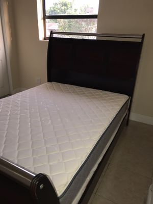 Queen bed with box spring & mattress Must Go for Sale in North Miami Beach, FL