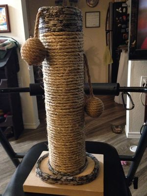 Home Designed Cat Scratch Post for Sale in Enumclaw, WA