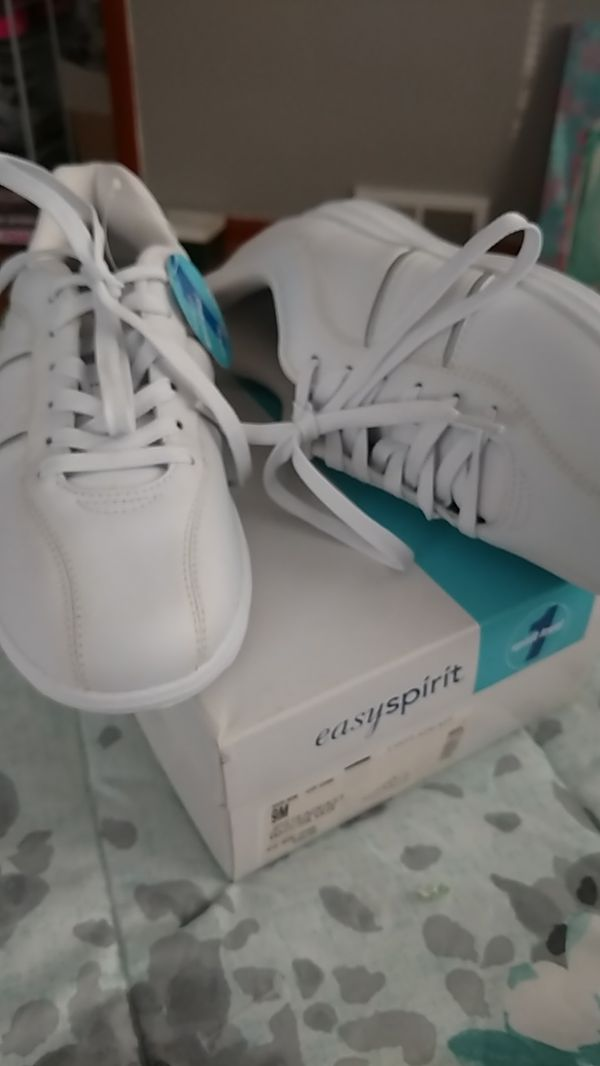 """Ladies Shoes Size 9 """"Easy Spirit"""" Leather New in Box"""