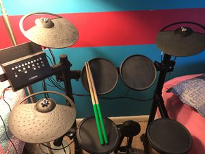 Electric drum set model Yamaha DTX 450k for Sale in Alexandria, VA