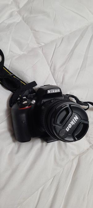 Nikon D5300 for Sale in Fresno, CA