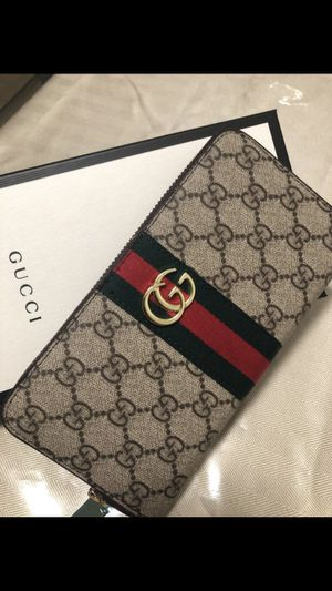Gucci zip around wallet for Sale in West Covina, CA