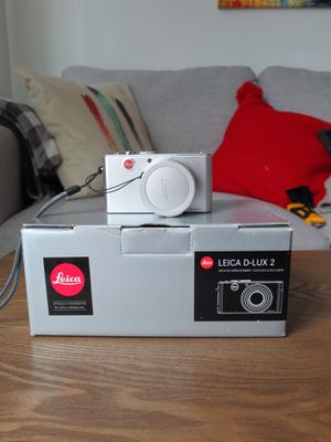 LEICA D-LUX 2 Digital Camera (Silver) for Sale in Stamford, CT