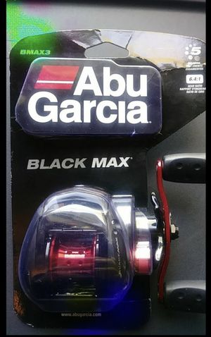 Black max abu Garcia reel .. Right handed for Sale in Shelton, CT