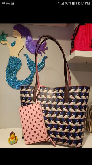 Kate Spade reversible tote retails 329 give me your best offer for Sale in Philadelphia, PA