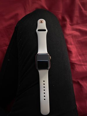 Apple Watch series 4 40mm for Sale in Lombard, IL
