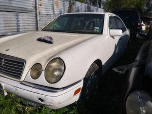1998 Mercedes Benz E-class 3.2 ( parts only) for Sale in Houston, TX