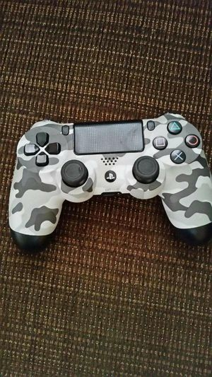 Wireless Remote for PS4 slim 500gb for Sale in Fort Worth, TX
