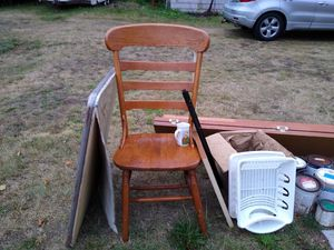 Free curb pickup for Sale in Marysville, WA