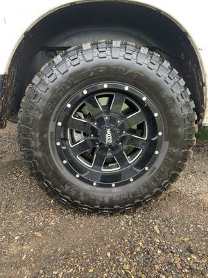 Rolling Big Power Tires 35x12.5 and Motto Metal wheels 18 inch for Sale in San Antonio, TX