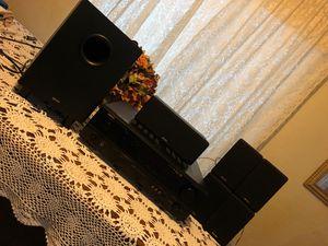 Surround sound system/ Denon AVR-683 for Sale in Modesto, CA