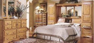 Furniture Traditions Bedroom Set for Sale in Colorado Springs, CO