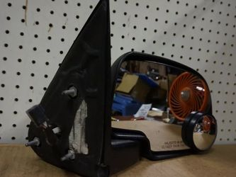 1998 2002 GMC SIERRA CHEVY SILVERADO RIGHT PASSENGER POWER CHROME MIRROR OEM 1999 2000 #7323# for Sale in Lynwood,  CA