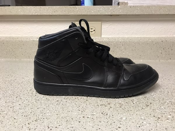 Men's size 10.5 Jordan 1 mid all black | Pre-owned