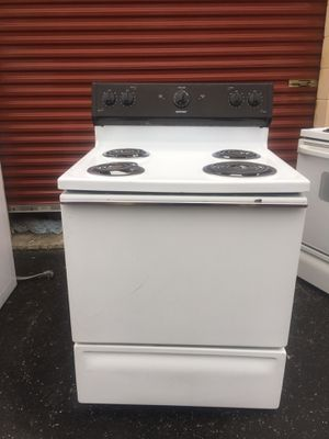 "NICE CLEAN HOTPOINT BY GE 30"" white stove.$100 Delivered/INSTALLED.$70 picked up.4 MONTH WARRANTY! for Sale in Hampton, VA"
