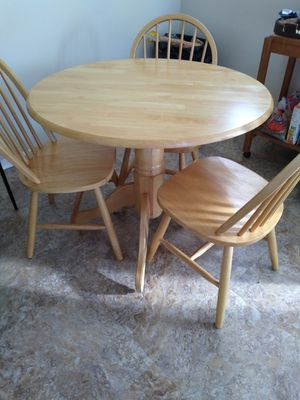 Small kitchen table three chairs for Sale in Greenville, SC