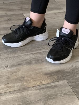 Adidas SNEAKERS 👟 black and white BRAND NEW W/TAGS for Sale in Cape Coral, FL