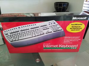 Microsoft Internet Keyboard Pro For Windows, NEW for Sale in Miami, FL
