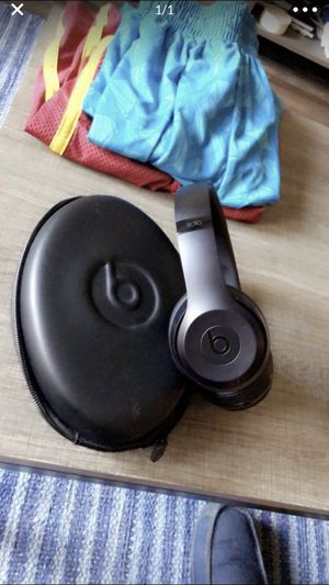 Beats by dre solo 3 for Sale in Cuyahoga Falls, OH