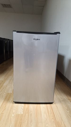Whirlpool 4.3 cu ft mini Refrigerator single Door only in stainless look 10 available for Sale in Arlington, TX