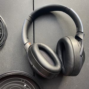 Sony MDR-1000X Noise Cancelling Bluetooth Wireless Headphones for Sale in Philadelphia, PA