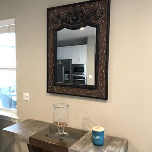 BEAUTIFUL VINTAGE FRAME WITH MIRROR for Sale in Temecula, CA