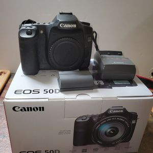 Canon EOS 50D Camera Body with original battery and battery charger for Sale in West Bloomfield Township, MI