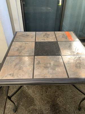 OUTDOOR TABLE (HOME DEPOT) for Sale in Pleasant Hill, CA