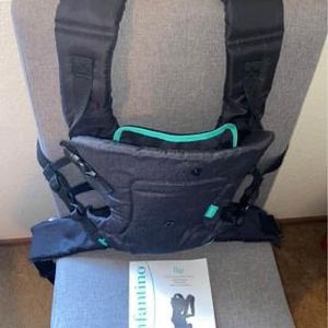 Infantino Baby Carrier for Sale in East Carondelet, IL