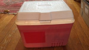 Rubbermaid cooler ice chest for Sale in Seattle, WA