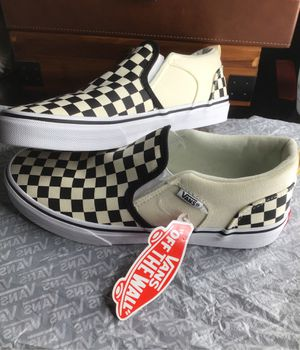 Checkered vans, brand new never worn, size:youth 5.0 for Sale in Anaheim, CA
