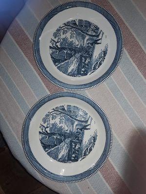 2 decorative plates for Sale in Moreno Valley, CA