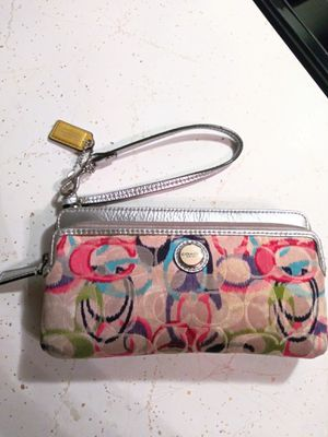 Authentic Coach clutch for Sale in Arlington Heights, IL