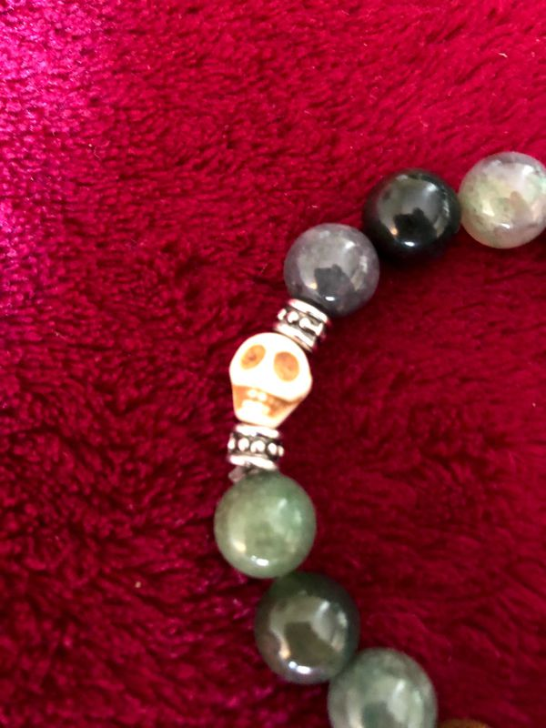 Bracelet Green Jasper and skull Bead