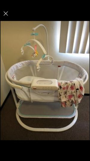 Fisher price bassinet for Sale in Hayward, CA