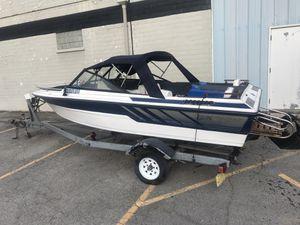 CLASSIC GLASS STREAM / 174 CUTLASS Speed Boat / 2.5 inboard / outboard Mercury with Trailer for Sale in Smyrna, TN