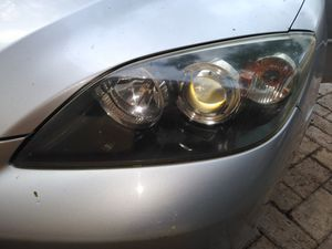 Mazda 3 driver's side headlight assembly new in box for Sale in Pembroke Park, FL