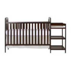 Crib & changing table combo for Sale in San Diego, CA