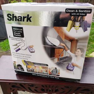 Shark Steam Pocket Multi Purpose Steam Cleaner Machine SC630D for Sale in Lynnwood, WA