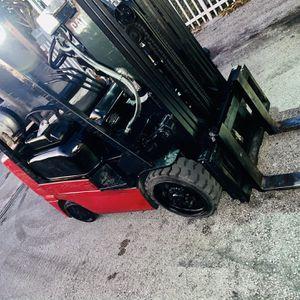 Forklift CAT GC25K for Sale in Hialeah, FL