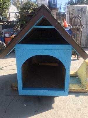 Dog house for Sale in San Fernando, CA