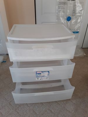 Shovel and Storage container with 3 drawers. Each item for $ 5 for Sale in Wheeling, IL