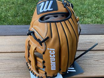 """Marucci 11.5"""" Capitol Series Baseball Glove New with Tags for Sale in Kenmore,  WA"""