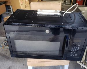 KITCHEN APPLIANCES ( microwave, dishwasher, refrigerator, oven) for Sale in Las Vegas, NV