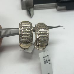 10k Yellow Gold Diamond Earrings for Sale in Baltimore,  MD