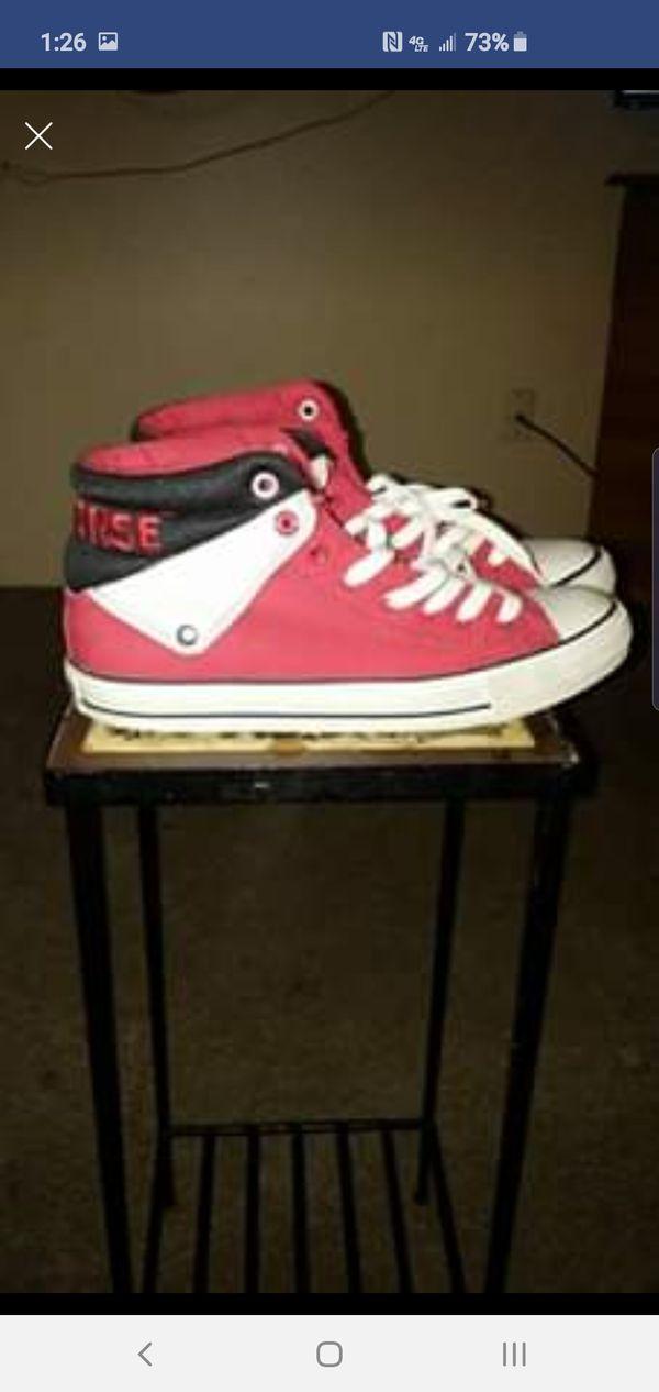 converse sneakers 9 n a half.