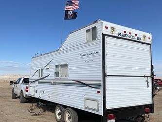 2001 Fleetwood Wilderness Half Ton Towable for Sale in Nuevo,  CA
