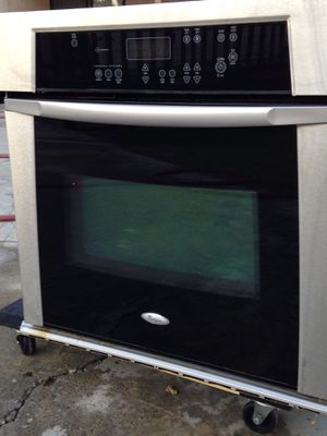Whirlpool Gold line appliances. Oven for Sale in Fontana, CA