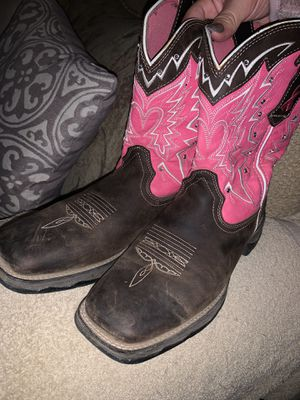 Womens boots for Sale in Madera, CA