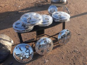 """Chrome hub cap spinners 15"""" for Sale in Laveen Village, AZ"""